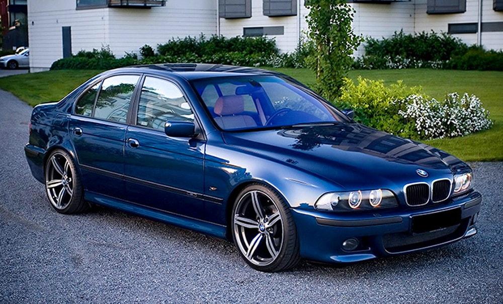 Синяя Bmw e39