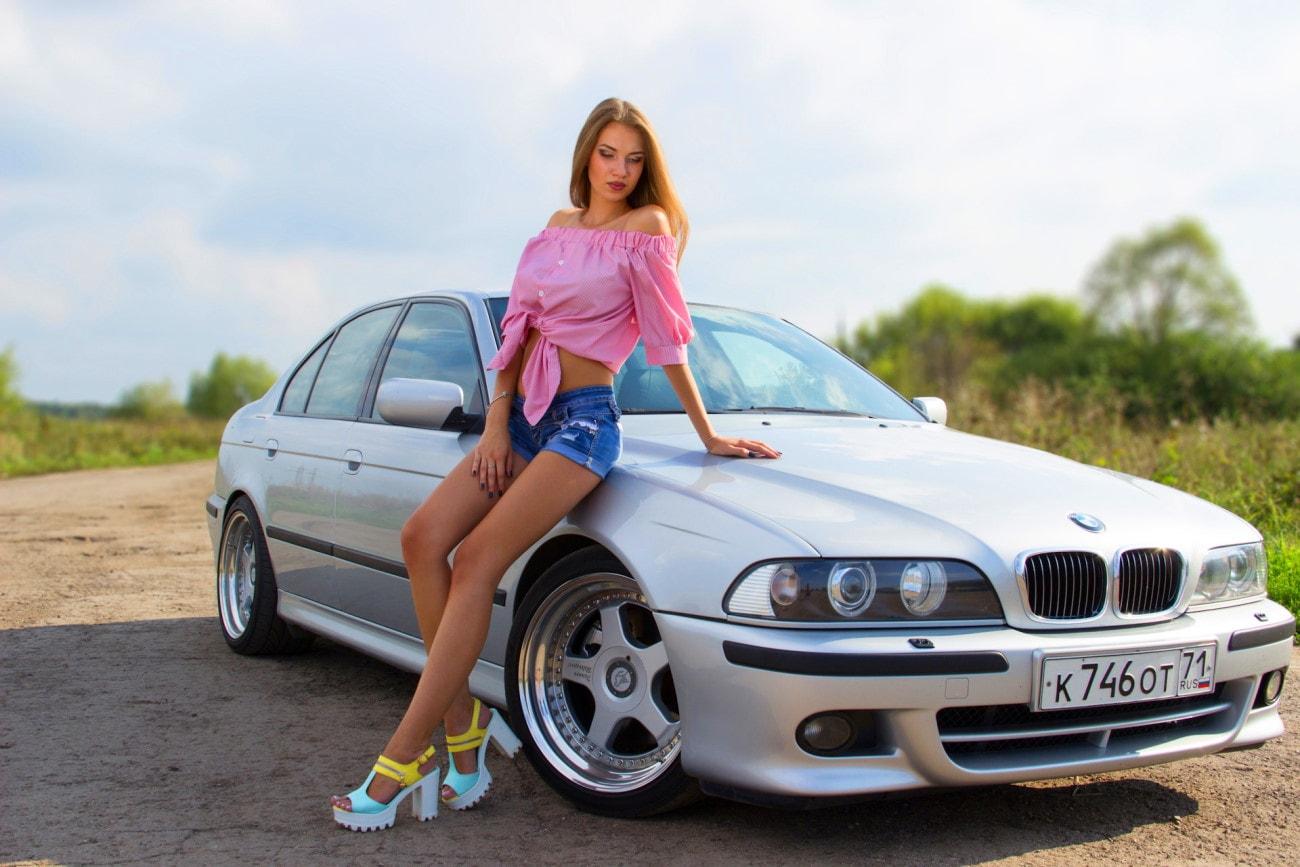 Девушка на каблуках и Bmw e39